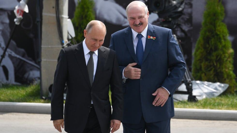 Украина признает опасения по поводу российского влияния в Беларуси, поскольку Минск заявляет, что иностранные державы пытаются отделить страну от Москвы